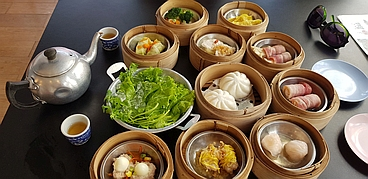 Dimsums are a typical breakfast in Phuket, Thailand - photo part of the text Viagem Barato, on the site Viajando Fácil
