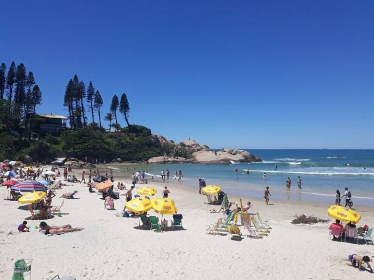 Destination-Florianopolis-joaquina