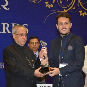 Guilherme Mota con Prakash Mukherjee