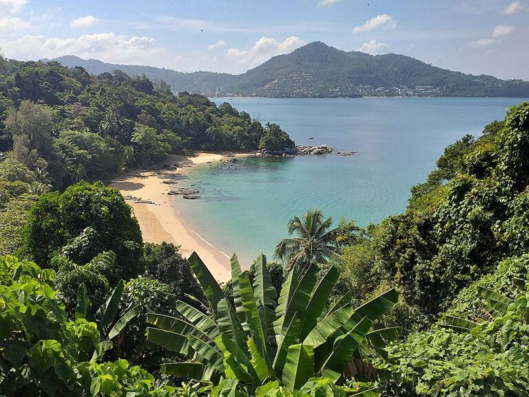 Phuket and its hidden beaches!